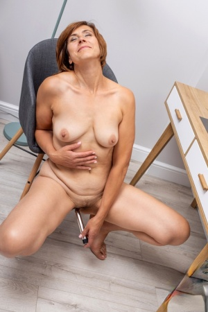 Hairy Pussy Masturbating