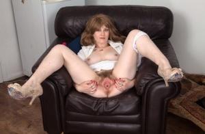 Hairy Pussy In Heels